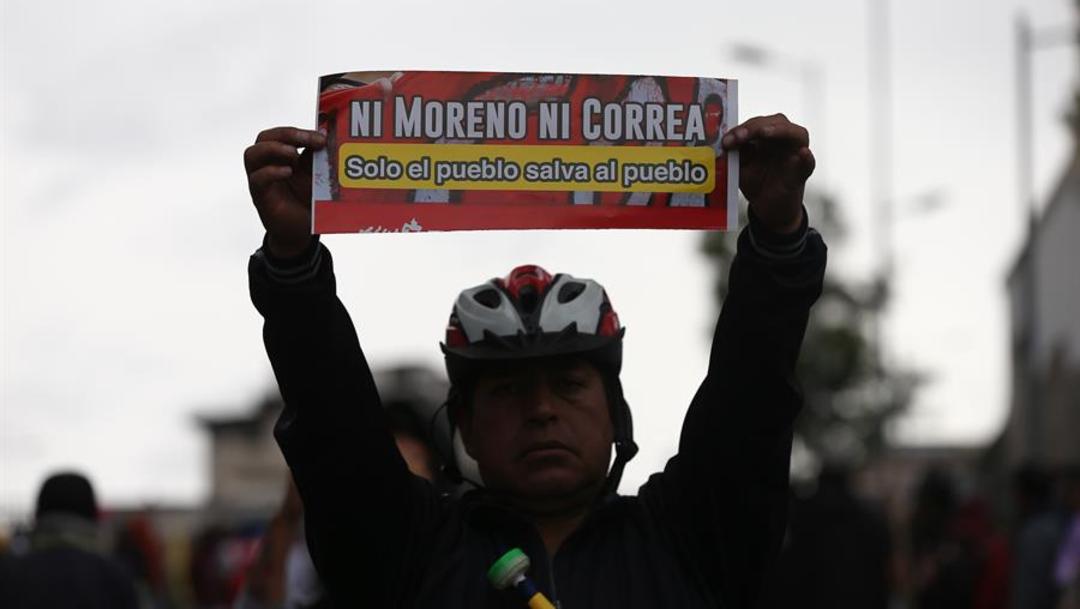 Foto: Los disturbios y protestas en diferentes puntos del país suceden desde el pasado jueves a raíz de medidas económicas adoptadas por el Gobierno, 8 de octubre de 2019 (EFE)