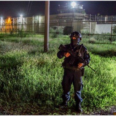Destituyen a director de penal de Culiacán tras fuga de reos