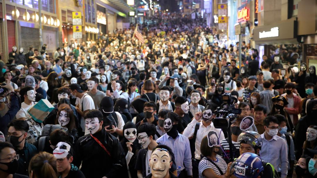 FOTO Aprovechan Halloween para marchar con máscaras en Hong Kong AP Hong Kong 31 octubre 2019