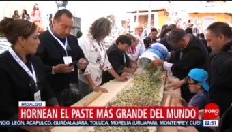 FOTO: Hornean en Hidalgo el paste más grande del mundo, 13 octubre 2019