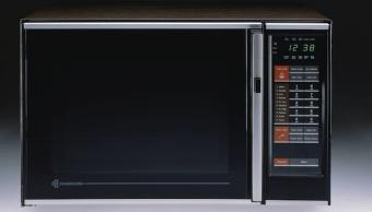 Foto ¿Por qué recomiendan poner una cuchara dentro del microondas? 11 octubre 2019