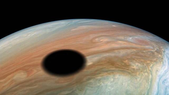 Foto:Sombra de la luna Ío sobre Júpiter, septiembre 2019