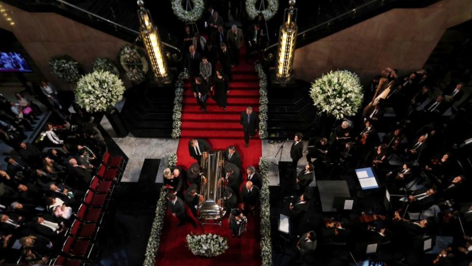 FOTO Homenaje a Bellas Artes para José José (AP)
