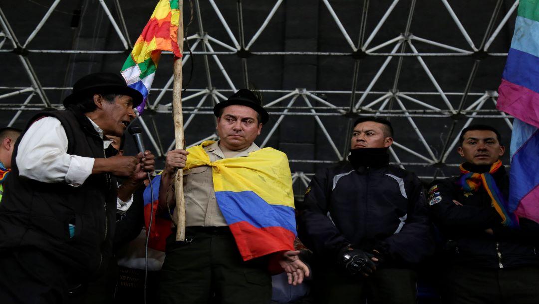 Foto Manifestantes indígenas retienen a policías en Ecuador