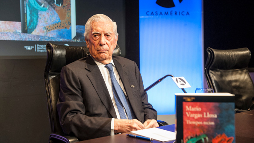 Foto: El escritor peruano y premio Nobel de Literatura Mario Vargas en la presentación de su libro 'Tiempos recios', 17 octubre 2019