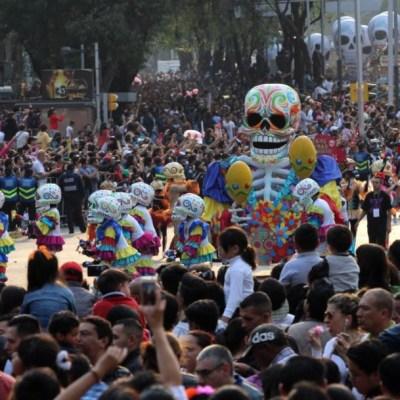 Cambios de horario en transporte público por Mega Desfile del Día de Muertos