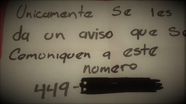 """FOTO: """"Te llega un papelito con un número de teléfono en el que piden que te comuniques"""", revelo una restaurantera."""
