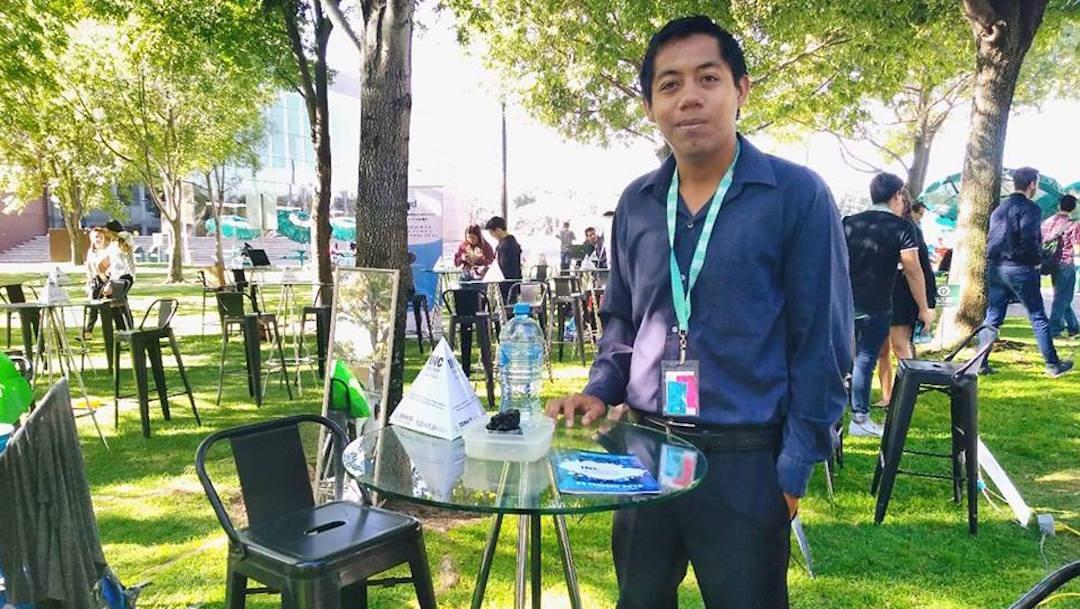 Foto Joven mexicano inventó pavimento que se regenera con agua 18 octubre 2019