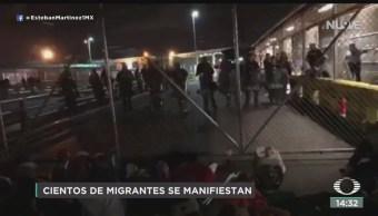 FOTO: Migrantes Bloquean Puente Fronterizo Espera Asilo Humanitario