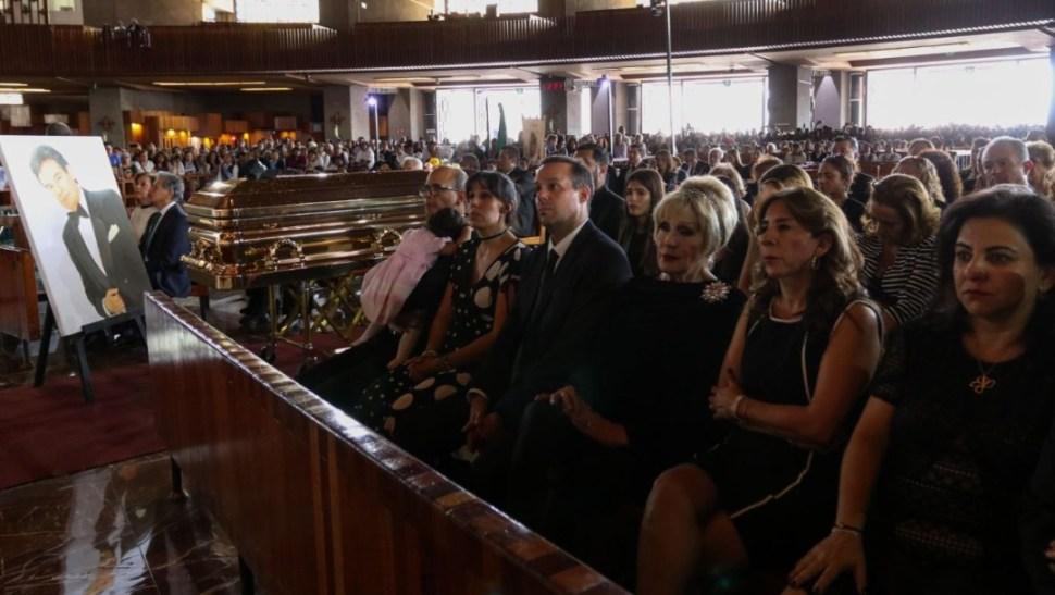 Realizan misa en la Basílica de Guadalupe en honor al cantante José José. (Cuartoscuro)