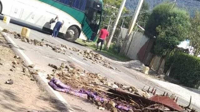 FOTO Normalistas de Tenería, en Tenancingo, denuncian acoso policial (Facebook/Gabriel Flores)