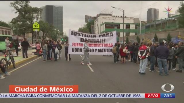 Padres de familia bloquean Avenida Chapultepec, CDMX