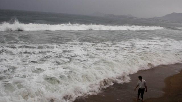 Foto: Playas en Manzanillo registran grandes olas por fenómeno meteorológico, 20 octubre 2019