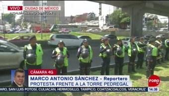 FOTO: Policías Intentan Bloquear Periférico Sur