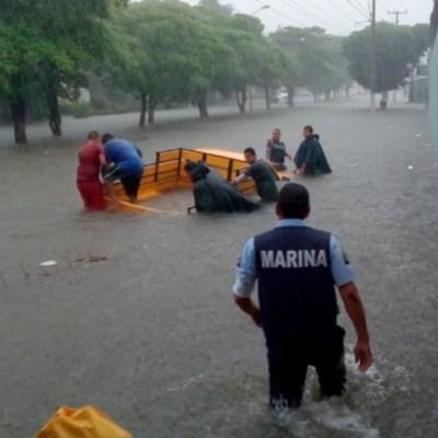 Por lluvias, activan Plan Marina en Lázaro Cárdenas, Michoacán