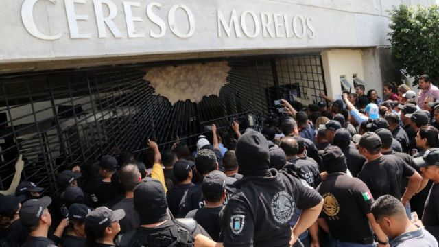 Protesta de custodios en Morelos