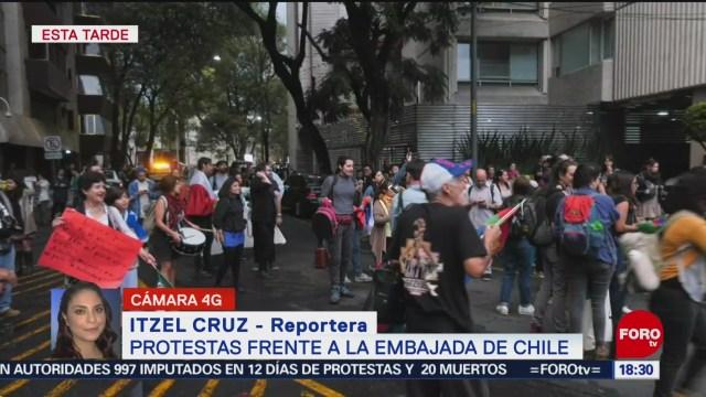 FOTO: Protestas frente Embajada Chile,