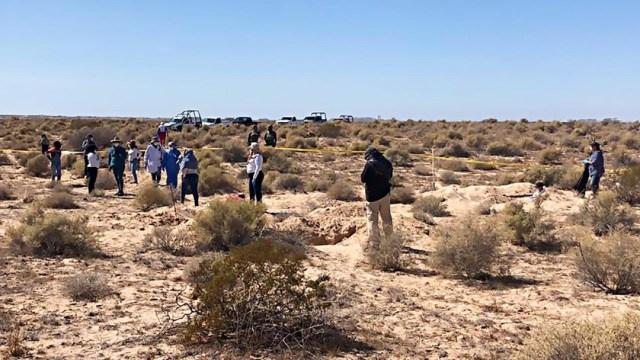 Imagen: Las osamentas y los dos cuerpos serán trasladados al Laboratorio de Inteligencia Científica Forense (CIF) de Hermosillo
