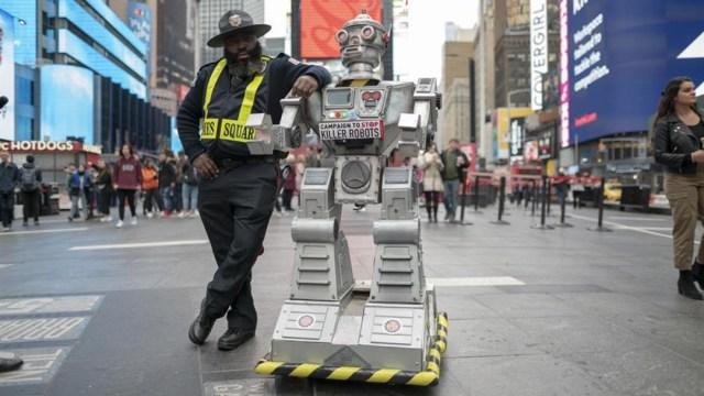Foto: Especialistas consideran a los 'robots asesinos' como un arma peligrosa para la humanidad, el 23 de octubre de 2019 (EFE)