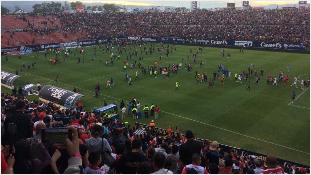 Foto: El partido entre San Luis y Querétaro fue suspendido por batalla campal, 20 de octubre de 2019 (TUDN)