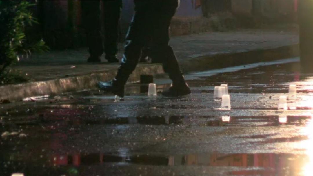 Foto: Cerca de 30 casquillos percutidos de un fusil de asalto quedaron en el sitio del ataque, 19 de octubre de 2019 (Noticieros Televisa)