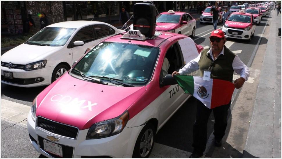 Foto: Cientos de taxistas se sumaron a la movilización de este lunes, 7 de octubre 2019 (FOTO: ROGELIO MORALES /CUARTOSCURO.COM)