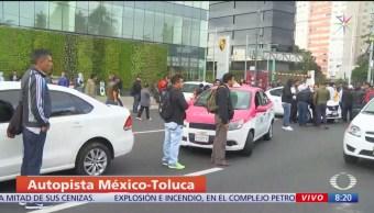 Taxistas realizan bloqueos intermitentes en Santa Fe, CDMX