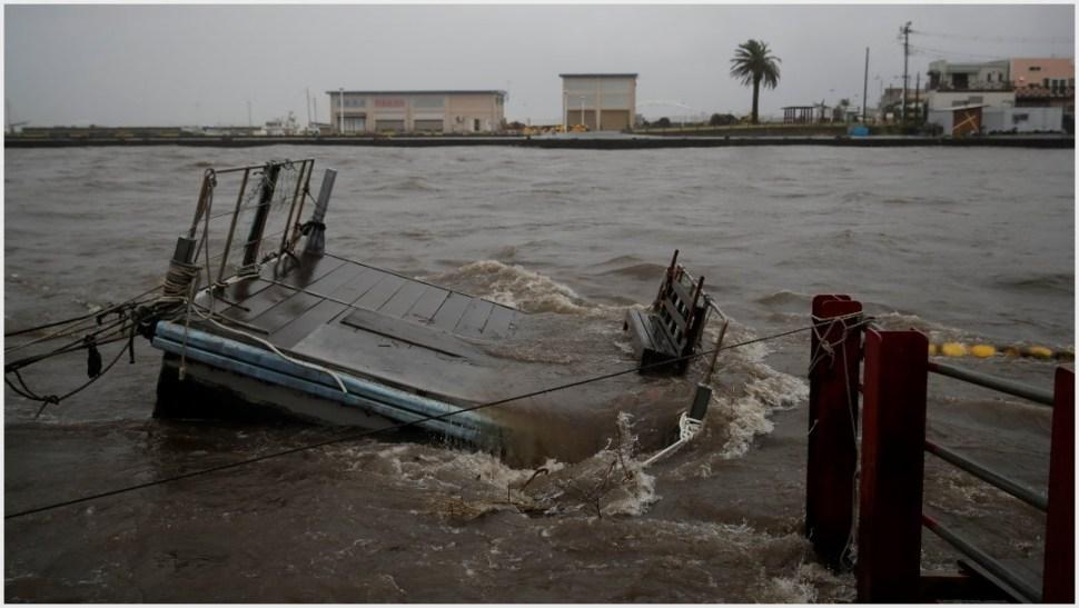 Foto: El tifón Hagibis ha dejado devastación a su paso por Japón, 12 de octubre de 2019 (AP)