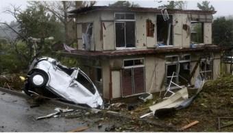 Foto: Un tornado provocado por el tifón Hagibis causó devastación a su paso, 12 de octubr de 2019 (EFE)