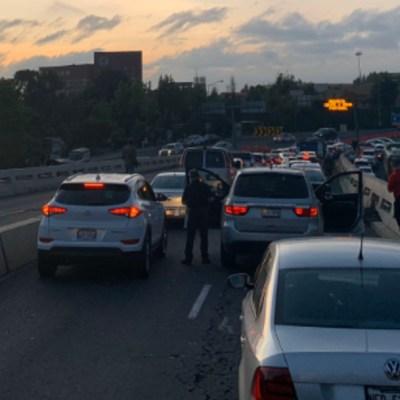 Tránsito paralizado en Puente de los Poetas, en Santa Fe, por bloqueo de taxistas