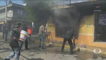 Foto: Vecinos Ciudad Azteca Sofocan Incendio Tlapalería 14 Octubre 2019