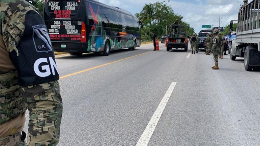 FOTO: El asaltante abordó la unidad con destino a Playa del Carmen, en Puerto Morelos, y durante el trayecto sacó un arma y amagó a los pasajeros, 3 de noviembre de 2019, (Noticieros Televisa)