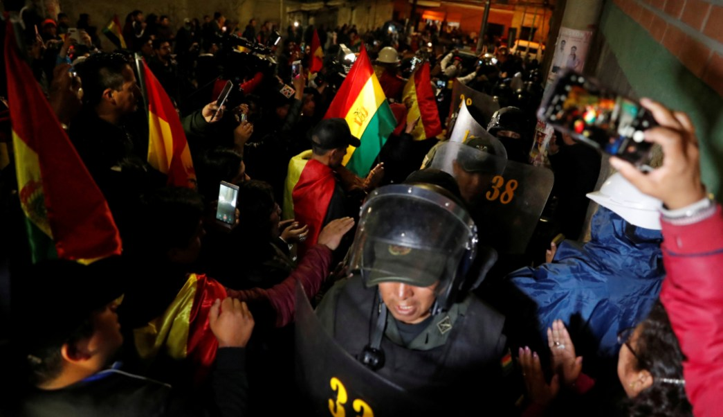 Foto: Policías se amotinan en Bolivia contra represión a opositores, 8 de noviembre de 2019, (REUTERS)