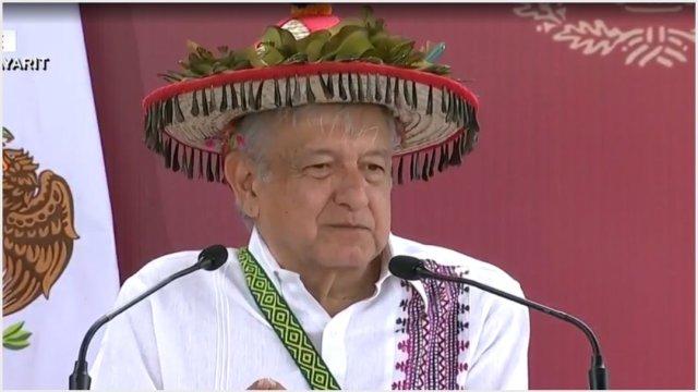 Foto: AMLO anuncia subasta de alhajas para construir caminos, 17 de noviembre de 2019 (Foro TV)