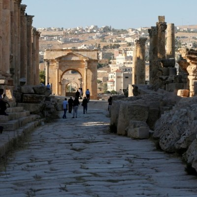 Apuñalamiento en sitio arqueológico de Jordania deja al menos 3 turistas heridos