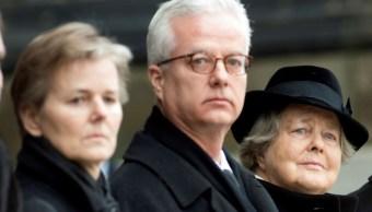 Asesinan a hijo de expresidente alemán durante conferencia en hospital