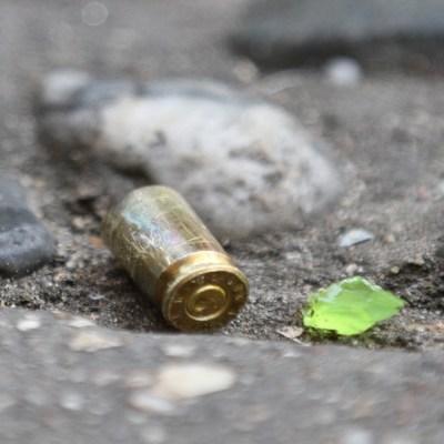 Investigan muerte de tres policías en Acapulco; se habrían enfrentado entre ellos