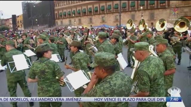 Foto: Banda música Sedena hace flashmob Zócalo CDMX