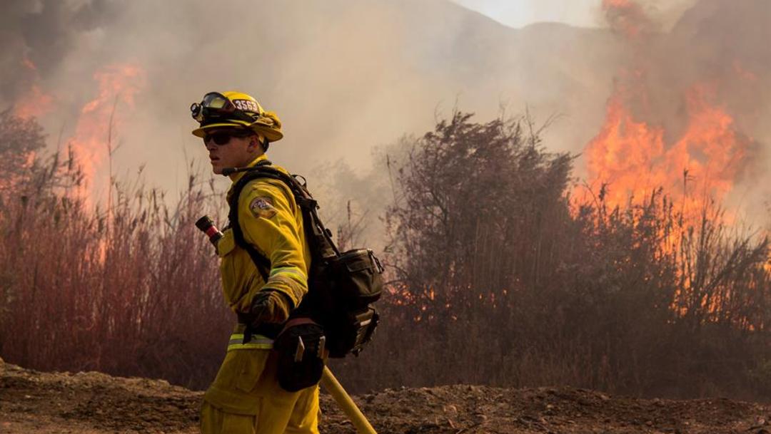 Foto: Los incendios llevaron al gobernador Gavin Newsom a declarar una emergencia en todo el estado, 2 de noviembre de 2019 (EFE)