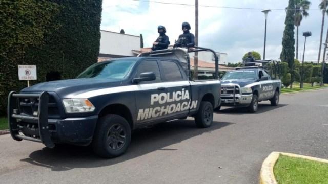 Imagen: Les fueron localizados 13 cartuchos útiles y un envoltorio con la mencionada droga en la zona de Tiamba, en el municipio de Uruapan, 17 de noviembre de 2019 (Twitter @MICHOACANSSP)