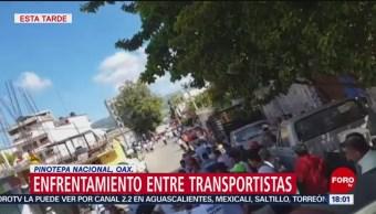 FOTO: Enfrentamiento entre taxistas y mototaxistas en Pinotepa Nacional, 18 noviembre 2019