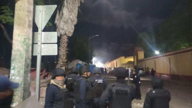 Foto: Enfrentamiento entre policías estatales y pobladores de Tlacolula de Matamoros, Oaxaca, dejó al menos cuatro heridos, 10 noviembre 2019