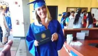 Foto: Era una drogadicta, pero se recuperó y logró graduarse