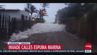 FOTO: Espuma marina invade calles Tabasco