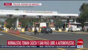 Estudiantes toman caseta de autopista Toluca-Atlacomulco