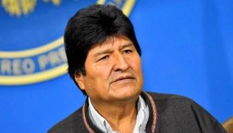 Imagen: Evo Morales, el presidente de Bolivia, parte rumbo a México, el 11 de noviembre de 2019 (Getty Images, archivo)