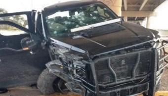 Una camioneta quedó destroza en calles de Nuevo Laredo, Tamaulipas.