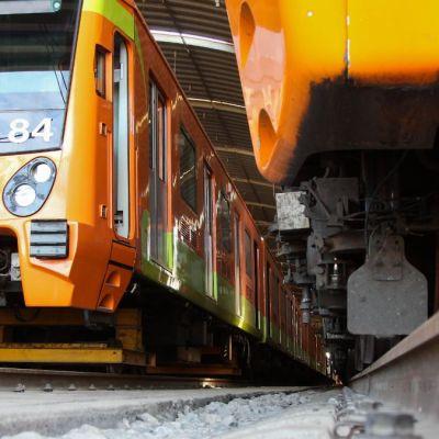 Usuario fallece en metro Chilpancingo; suspenden servicio en Línea 9