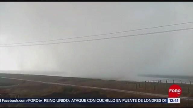 Graban en video torbellino en playa de Sinaloa