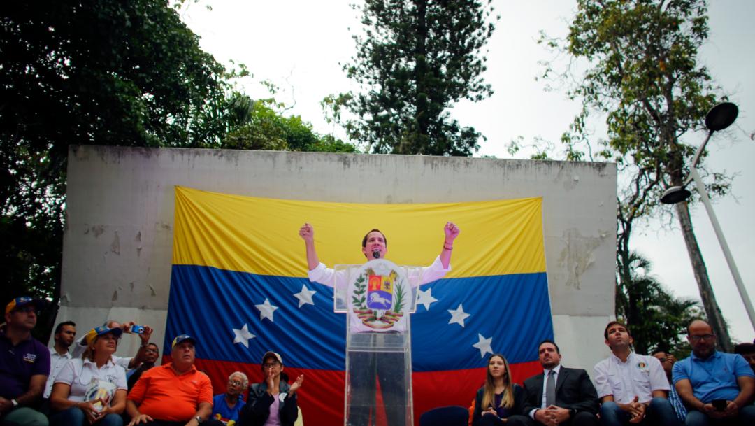Imagen: Maduro cuenta con el respaldo clave de la cúpula militar y asegura que Guaidó es un títere de Estados Unidos, 23 de noviembre de 2019 (AP)